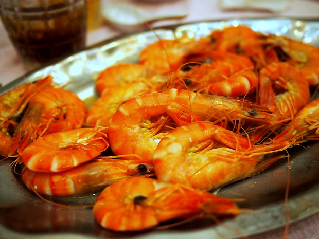 food during Tet: steamed shrimp salad