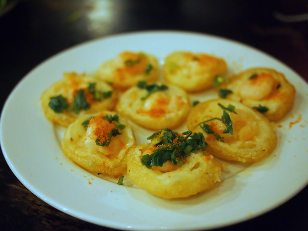 banh khot with shrimp
