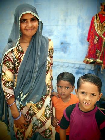 Woman and her kids, Jodphur