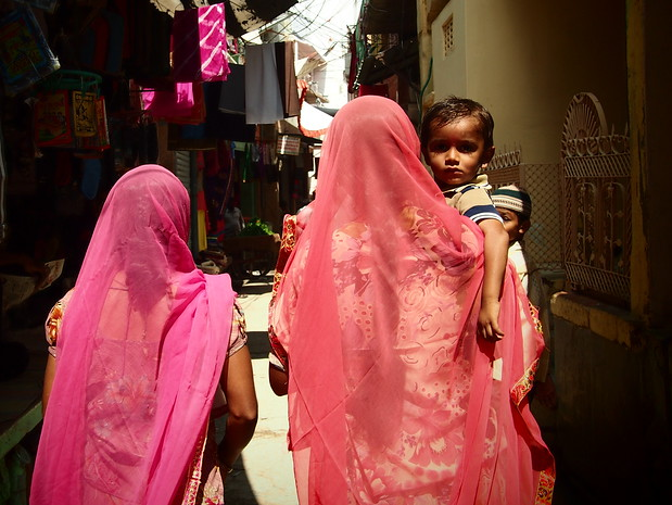 bikaner - colourful saris in the street in Northern India