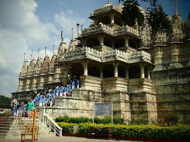 jain temple udaipur