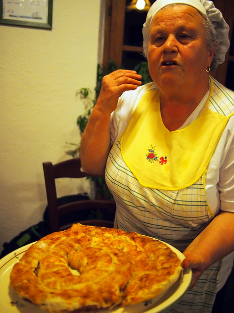 Nonna at I Mandorli farm, explaining her dessert and the gluten free options