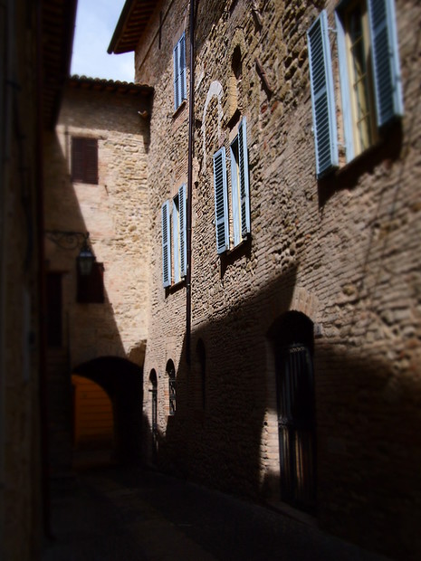Some tilt-shift fun in Bevagna's tiny alleyways.