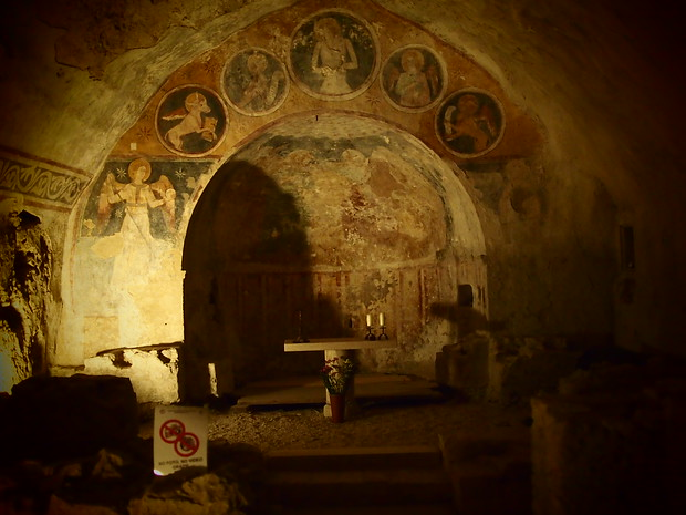 Exploring church frescos from the 13th & 15th centuries in Narni