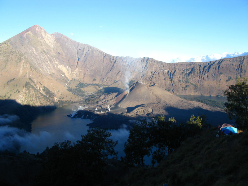 Eruption at the top of gunung rinjani