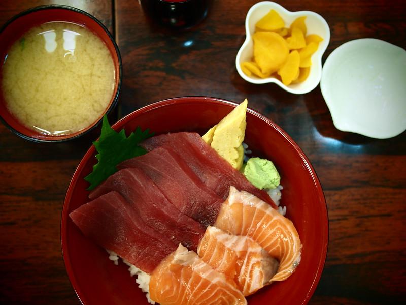 Food at Tsukiji Fish Market in Tokyo